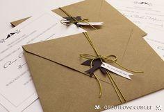 Envelope kraft com forro de papel rendado. Combinação muito charmosa!