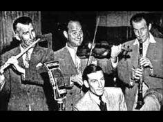 Joe Venuti & His Orchestra - Gather Ye Lip Rouge While Ye May