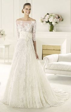 Exquisite A-line Off-the-shoulder Half Sleeve Beading Lace Hand Made Flowers Sweep/Brush Train Tulle Wedding Dresses