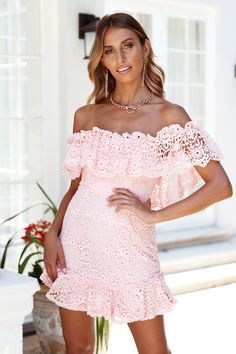 The IT-Girls who love to show off their flirty and feminine side will LOVE the Big Fat Crush Dress. Prom Outfits, Prom Dresses, Dress Prom, Pink Mini Dresses, Pink Dress, Off The Shoulder, Shoulder Straps, Prom Looks, Hey Girl