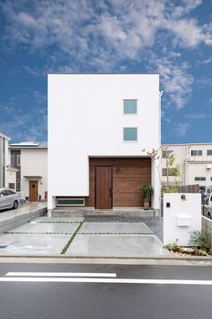 Residential Architecture, Contemporary Architecture, Architecture Design, Modern Entrance Door, House Entrance, Facade Design, Exterior Design, House Design, Building Facade