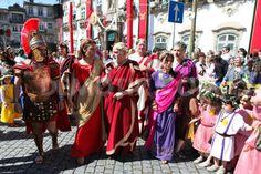 1369229510-braga-romana-festival-begins-in-portugal_2076769.jpg (800×533)
