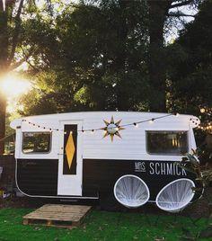 Vintage Campers Trailers, Retro Campers, Vintage Caravans, Camper Trailers, Vintage Rv, Unique Vintage, Retro Caravan, Camper Caravan, Caravan Paint