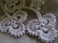 Irish shamrock necklace from crochetology.net. Beautiful!