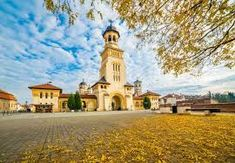 Imagini pentru alba iulia Notre Dame, Mansions, House Styles, Building, Travel, Home Decor, Viajes, Decoration Home, Room Decor