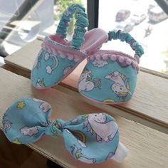 1 million+ Stunning Free Images to Use Anywhere Baby Girl Shoes, Baby Girl Dresses, My Baby Girl, Baby Dress, Sewing Projects For Kids, Sewing Crafts, Baby Bootees, Kids Dress Wear, Baby Shoes Pattern