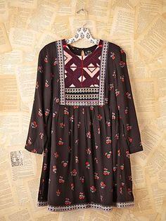 vintage indian dress #saree #sarees #Indian #art #craft #fashion #dress #silk #material #design #woman #men #Delhi #cloths #handicraft #price #handknitted #wholesale