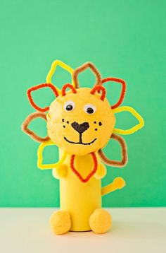 Does the art and craft projects with your kids make you dread? You should not feel worried, there are some easy paper crafts for kids that you will love to make. Most of these paper crafts were mess-free, so if… Continue Reading → Toilet Paper Roll Crafts, Paper Crafts For Kids, Easy Crafts For Kids, Arts And Crafts Projects, Easy Diy Crafts, Craft Stick Crafts, Diy Paper, Projects For Kids, Diy For Kids