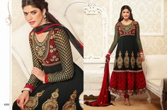 Design No :- 17272     Product :- Unstitched Salwar Kameez     Size :- Max 40     Fabric :- Georgette     Work :- Patch and Embroidery Work     Stitching Charges :- र 400     Whole Sale Price :-  र 2281  For Sales Queries :- sales@manjaree.in  For More Information :- http://manjaree.in/