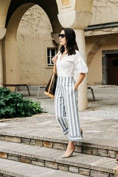 Die Palazzo Hose aus Leinen – 7 Ways to Wear Mein Style, Spring Outfits, Spring Clothes, Business Outfit, Perfect Wardrobe, Womens Fashion, Fashion Trends, Wedding Magazine, Pure Products