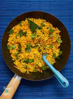 Lemon and Turmeric Rice - Pinch Of Nom Low Calorie Recipes, Healthy Recipes, Healthy Food, Buscuit Recipe, 300 Calorie Dinner, Pinch Of Nom, Spiced Rice, Masala Curry, Dairy Free Diet