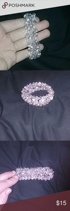 A pink diamond bracelet worth $8 000 000 is shown for sale at the