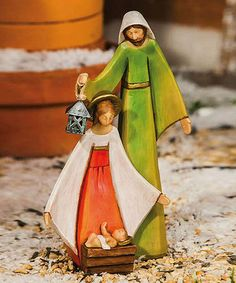 Beautiful outdoor figurine to add to a porch during Christmas time.