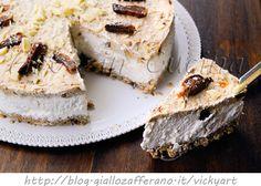 Cheesecake con cereali e fichi secchi alla ricotta, dolce facile, senza zucchero aggiunto, ricetta cheesecake, cioccolato bianco, frutta secca, muesli, dolce da merenda