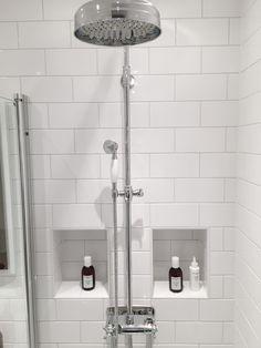 Badrumsinspiration: Hemma hos Andreas i Helsingborg Condo Bathroom, Relaxing Bathroom, Laundry Room Bathroom, Laundry Room Design, Small Bathroom, Washroom, Bathroom Ideas, Helsingborg, Plywood Furniture
