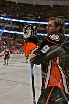 Bobby Ryan • currently a member of the Ottawa Senators Bobby Ryan, Anaheim Ducks, National Hockey League, Detroit Red Wings, Best Player, Hockey Players, Ottawa, Athletes, Nhl