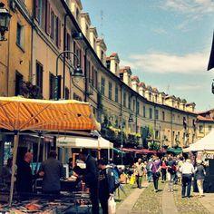 Oggi la bravissima @irenitaz porta #conoscounposto a #Torino! Link in bio sui 10 posti da non perdere sotto la Mole!