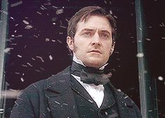 (gif) So many emotions cross his face. Typical of John Thornton and the art and skill of Richard Armitage Elizabeth Gaskell, John Thornton, Bbc Drama, Mr Right, Look Back At Me, North South, Film Serie, Richard Armitage, Music Tv