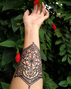 Modern henna design for hand Mehndi Art, Henna Mehndi, Mehendi, Hand Henna, Henna Tattoos, Modern Henna Designs, Indian Mehndi Designs, Henna Patterns, Tatting