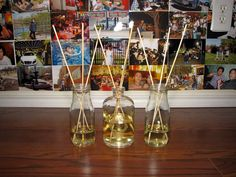 DIY scented oil diffusers from Starbucks bottles Starbucks Bottle Crafts, Starbucks Bottles, Scented Oil Diffuser, Scented Oils, Diy Ideas, Craft Ideas, Altered Bottles, Recycled Bottles, Jar Gifts