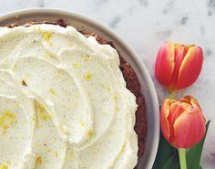 Lynhurtig gulerodskage med hvid chokolade og cream cheese - Måltid