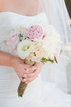 What a dream.. #bouquet #weddingflorals #pinkflorals