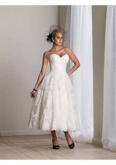 Taffeta and Tulle Strapless Sweetheart Neckline Gathered Bodice Draped Tea-Length A-Line Skirt with Lace Applique Accents and Scalloped Hemline Hot Sell Wedding Dress WD-0976