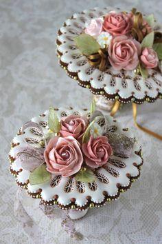 Frivolous Fabulous - Pretty Floral Cookies