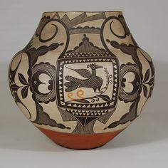 Historic Acoma Pottery   Acoma Pueblo Extraordinary Large Olla