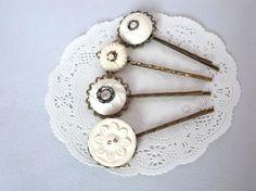 アメリカのヴィンテージボタンのヘアピン4本セット Creema Handmade Crafts Hairpin Vintage Button ハンドメイド アクセサリー