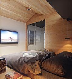 Architectors and visualization : Denis Svirid Реконструкция жилого дома с выделением и надстройкой мансардного этажа. По мере роста цен на квадратные метры в деловых районах больших городов, проблема выбора комфортного и недорогого жилья с каждым годом…