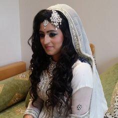 Just finished dolling up my Walima bride   #makeupartist #bridalmakeup #bridal #wedding #brides #bengalibride #pakistanibrides #indianbrides #afghanbride #hudalashes #HudaBeauty #runamirzamua #shamzy #rumena_101 #follow4follow #followme #like4like like4follow #lol #bollywood #eyeshadow #lubnarafique by runamirzamua