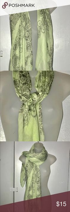 Beautiful Green Floral Scarf An easy, breezy scarf in a rich vintage-inspired signature print adds a touch of lightweight sophistication to any outfit, from casual to professional. This scarf is new, never been worn, was given as a gift to me however I don't like wearing scarfs and that's why I'm selling. Accessories Scarves & Wraps