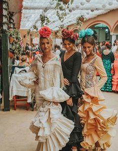 Flamingo Dress, Andalucia, Dress Designs, Dancers, Designer Dresses, Barcelona, Women's Fashion, Facebook, Disney Princess