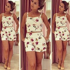 Conjuntinho cropped e short floral - Miss Lully Crop Top And Shorts, Crop Top Outfits, Short Outfits, Summer Outfits, Casual Outfits, Cute Outfits, Fashion Outfits, Short Floral, Floral Crop Tops