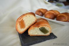 Cornuri pufoase si foietate cu branza, cu gem sau cu rahat | Savori Urbane Croissant, Pretzel Bites, Bread, Nicu, Food, Gem, Meal, Essen, Crescent Roll