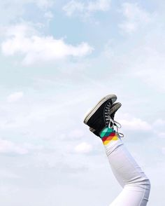 """Happy Socks  #happy#socks#happinesseverywhere#sky#beautiful#blue#converse#allstars#white#fadeddiamondsock#faded#diamond#pretty#happycrew"""