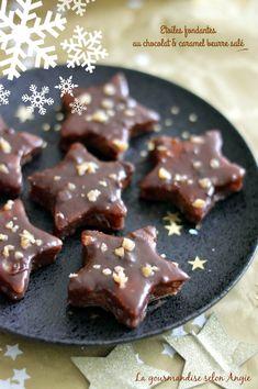 etoiles fonadantes chocolat caramel beurre salé noël Thermomix Desserts, No Cook Desserts, Vegan Desserts, Fondant Chocolat Caramel, Cake Chocolat, Chocolate Caramels, Sweet Breakfast, Pasta, Biscuits