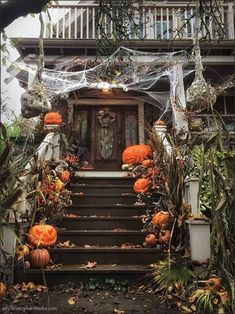 Diy Halloween, Porche Halloween, Halloween Home Decor, Outdoor Halloween, Halloween 2019, Holidays Halloween, Vintage Halloween, Happy Halloween, Halloween Night