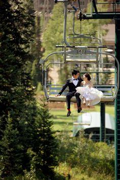 夏のスキー場で結婚式?!印象に残りますね!ホテルも安そう。盛大な楽しいウェディングパーティーができそう! @ Deer Valley Resort
