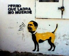 Perro que ladra Stencil  Av. México