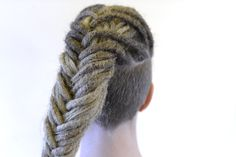 Get the dreadlocks that you always have dreamed of or why not take the step into learning the craft of making dreadlocks and start your own dreadlocks salon. Braided Dreadlocks, Updos, Salons, Stylists, Braids, Inspired, Hair Styles, Inspiration, Beauty