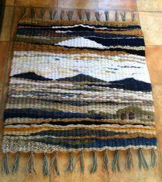 Weaving Designs, Weaving Projects, Loom Weaving, Tapestry Weaving, Small Tapestry, Peg Loom, Latch Hook Rugs, Fabric Yarn, Weaving Techniques
