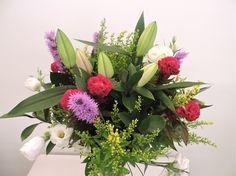 Ramo Variado de Flores de Floristería Azahar de Fuengirola asociada a nuestra web www.flores.apanymantel.com y para cubrir a domicilio Fuengirola.