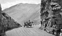 At the first cutting, Chapman's Peak Drive in 1922 Most Beautiful Cities, Antique Maps, Historical Pictures, Old Pictures, Cape Town, Wonders Of The World, South Africa, Places To Visit, Detox Drinks
