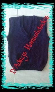 Chaleco escolar azul marino tejido en agujas