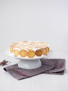 Smetanovo-tvarohový dort s dětskými piškoty Cake, Pie Cake, Food Cakes, Cakes, Tart, Cheeseburger Paradise Pie, Biscuit