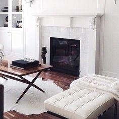 Grey, white and black Modern living room inspiration Home Living Room, Living Room Decor, Living Spaces, City Living, Interior Design Inspiration, Home Decor Inspiration, Design Ideas, Sweet Home, Style At Home