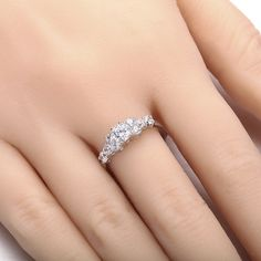 Fashion Charming Silver Zircon Engagement Ring