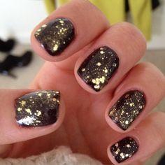 Black and gold glitter nails  #feelingbeautiful #blackandgold #facialmask